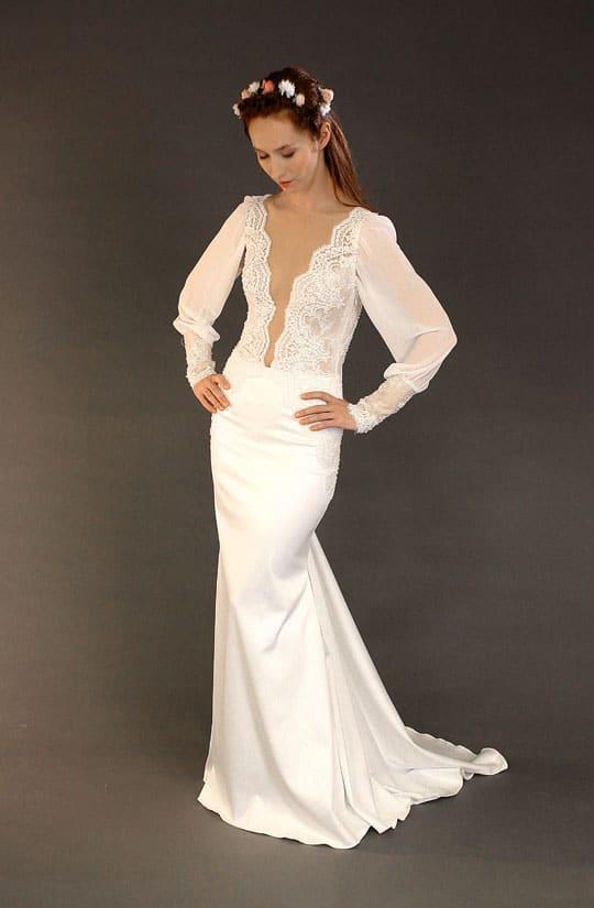 תמונה של שמלת כלה וינטאג מדהימה של המעצבת רינה בהיר